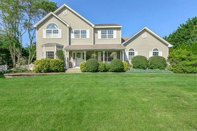 10 SHANG LEE DR, Manorville, NY 11949 - Photo 2