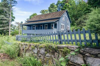 20 MILLER HILL RD, Hopewell Junction, NY 12533 - Photo 2