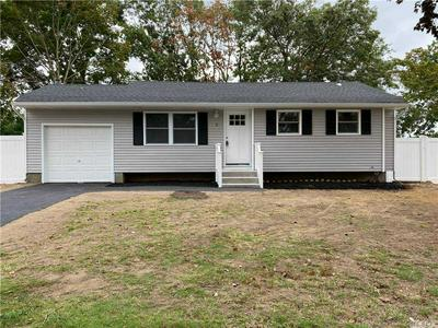 5 NORWALK LN, Selden, NY 11784 - Photo 1