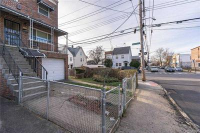 800 E 227TH ST, Wakefield, NY 10466 - Photo 2