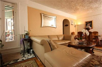 485 PELHAM RD APT B35, New Rochelle, NY 10805 - Photo 2
