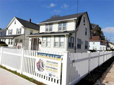 371 E COLUMBIA ST, Hempstead, NY 11550 - Photo 1