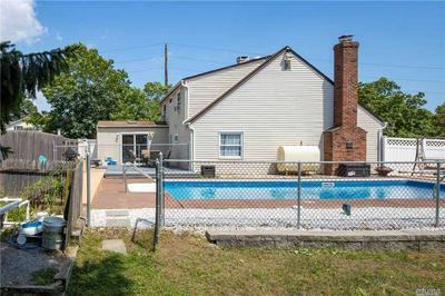1 VIRGINIA PINE DR, Medford, NY 11763 - Photo 2