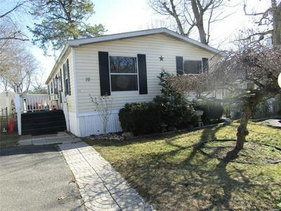 433 MILL RD UNIT 19, Calverton, NY 11933 - Photo 1