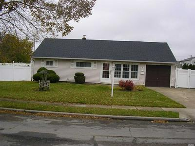 26 ELDORADO BLVD, Plainview, NY 11803 - Photo 2