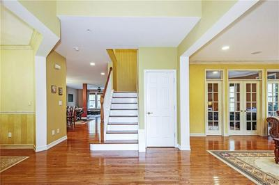 5 VINTAGE CT, Rye Town, NY 10573 - Photo 2