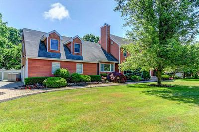 19 DEER MEADOW RUN, Brookhaven, NY 11719 - Photo 2