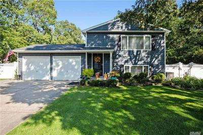 39 TREMONT AVE, Patchogue, NY 11772 - Photo 2