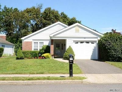 8 KINGSTON DR, Ridge, NY 11961 - Photo 1