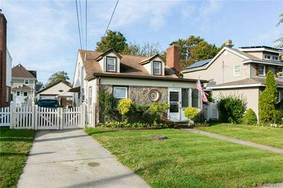 28 NEW ST, Lynbrook, NY 11563 - Photo 2