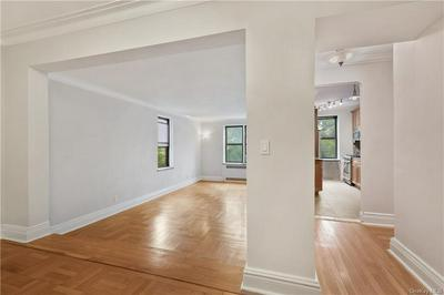 210 MARTINE AVE APT 2D, White Plains, NY 10601 - Photo 2
