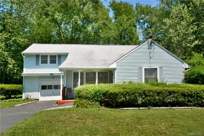 1524 CROSS RD, Mohegan Lake, NY 10547 - Photo 2