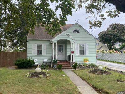 414 LENOX AVE, E. Patchogue, NY 11772 - Photo 1