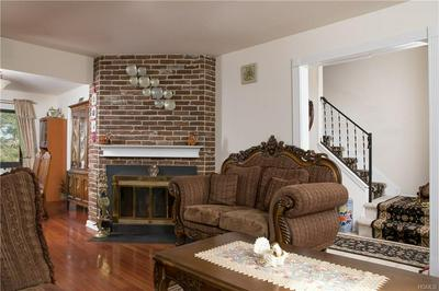 9 HERITAGE DR, Monroe Town, NY 10926 - Photo 2