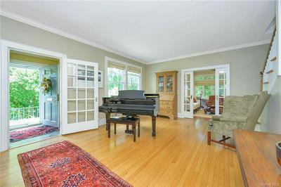 34 CLAREMONT RD, Scarsdale, NY 10583 - Photo 2