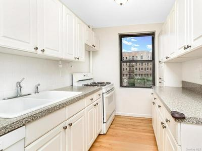 445 W 240 STREET 3K/L, Bronx, NY 10463 - Photo 2