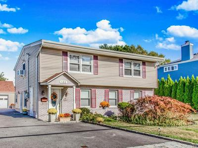 165 JENNIFER LN, Yonkers, NY 10710 - Photo 2