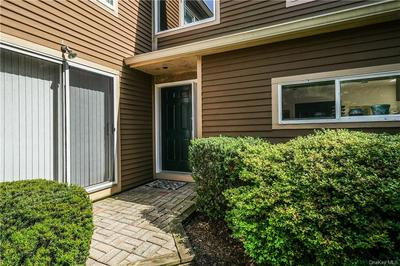 30 INDIAN HILL RD, New Rochelle, NY 10804 - Photo 2