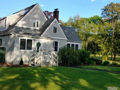 500 POTTER BLVD, Brightwaters, NY 11718 - Photo 1