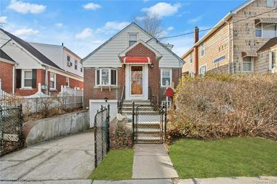 927 HOLLYWOOD AVE, BRONX, NY 10465 - Photo 1