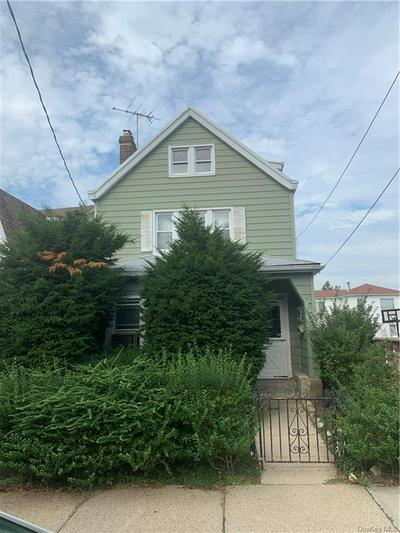 2563 FENTON AVE, BRONX, NY 10469 - Photo 1