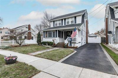 18 WINDSOR PL, Lynbrook, NY 11563 - Photo 2