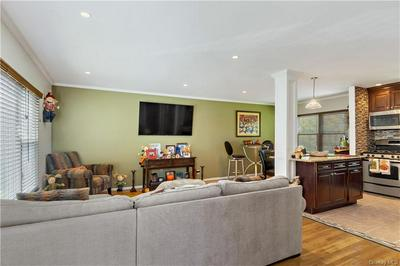 43 DEXTER RD, Yonkers, NY 10710 - Photo 2