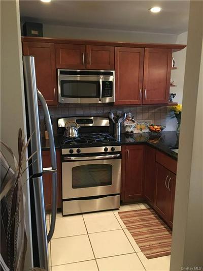 838 PELHAMDALE AVE APT 3A, New Rochelle, NY 10801 - Photo 2