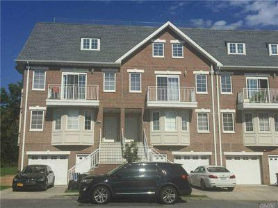 321 SOUNDVIEW LN 2ND FL, College Point, NY 11356 - Photo 1