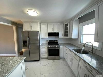 284 BALDWIN RD, Hempstead, NY 11550 - Photo 2