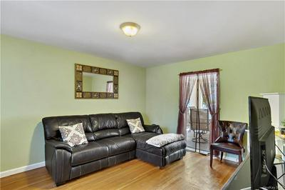 105 WEYMAN AVE, New Rochelle, NY 10805 - Photo 2