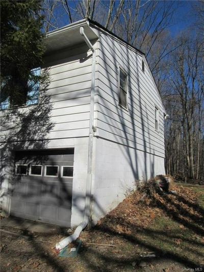 82 FRONTIER DR, Pine Bush, NY 12566 - Photo 2