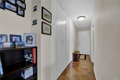 6120 GRAND CENTRAL PKWY APT B803, Forest Hills, NY 11375 - Photo 2