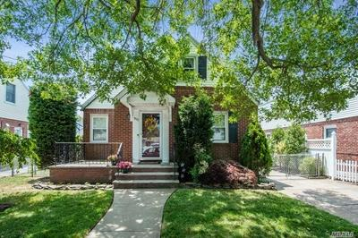 915 BENRIS AVE, Franklin Square, NY 11010 - Photo 1