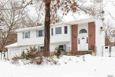 52 FOXBORO AVE, Farmingville, NY 11738 - Photo 2