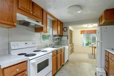 525/128 RIVERLEIGH, Riverhead, NY 11901 - Photo 2