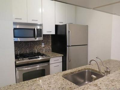 4 MARTINE AVE APT 308, White Plains, NY 10606 - Photo 1