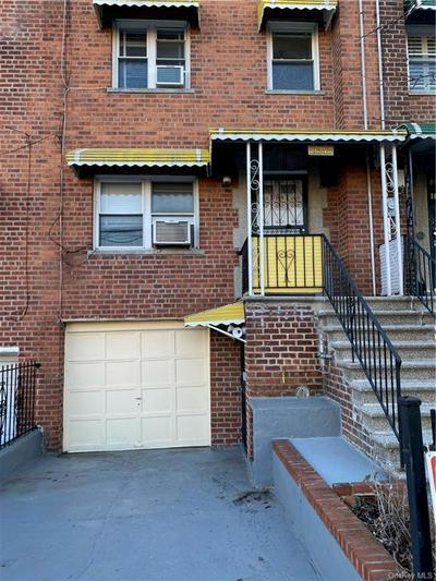 956 E 229TH ST, BRONX, NY 10466 - Photo 1