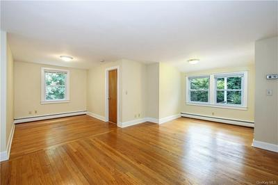 4 OLD STONE HOUSE RD, Putnam Valley, NY 10579 - Photo 2