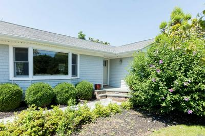 150 MEADOW LN, Mattituck, NY 11952 - Photo 1