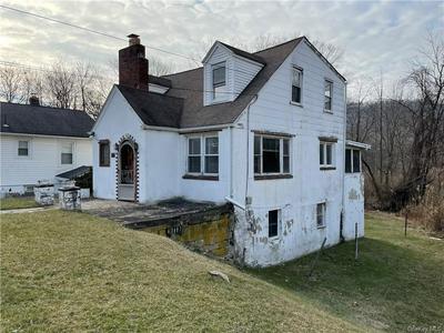 126 MYRTLE AVE, New Windsor, NY 12553 - Photo 2