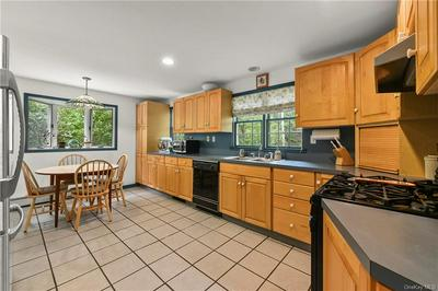 20 ALLAPARTUS CIR, Ossining, NY 10562 - Photo 2