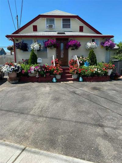 812 PULASKI ST, Riverhead, NY 11901 - Photo 1