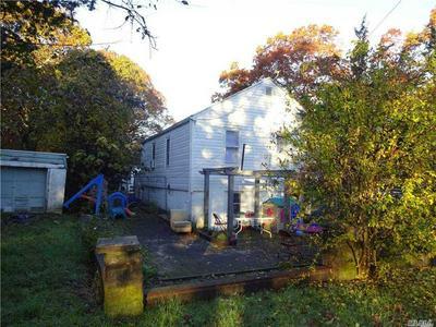 37 OAK AVE, Flanders, NY 11901 - Photo 2