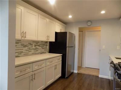 1376 MIDLAND AVE APT 501, BRONXVILLE, NY 10708 - Photo 2