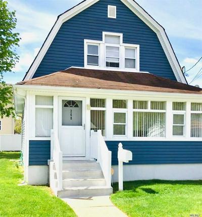 268 E CLINTON AVE, Roosevelt, NY 11575 - Photo 2