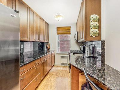 245 PARKVIEW AVE APT 3F, Yonkers, NY 10708 - Photo 1