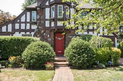 122 HEWLETT AVE, Merrick, NY 11566 - Photo 2