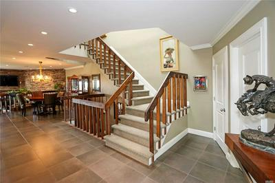 8 HARBOUR POINT DR # 8, Northport, NY 11768 - Photo 2