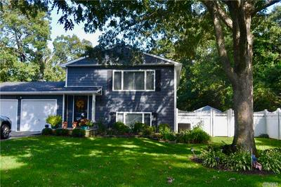 39 TREMONT AVE, Patchogue, NY 11772 - Photo 1